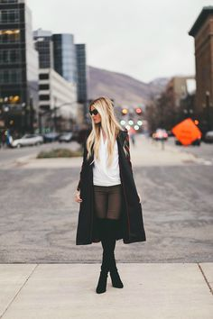 Plaid Sergeant Coat - Barefoot Blonde by Amber Fillerup Clark Casual Street Style, Casual Chic, White Fashion, Women's Fashion, Street Fashion, Fashion Beauty, Valentino Boots, Over Boots, Barefoot Blonde