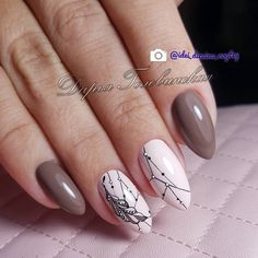 What you need to know about acrylic nails - My Nails Acrylic Nail Art, Acrylic Nail Designs, Nail Art Designs, Cute Nails, Pretty Nails, Hair And Nails, My Nails, Nagellack Design, Feather Nails