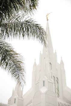 Wedding and Portrait Photographer-LDS San Diego Temple Wedding001IMG_3033-Blog