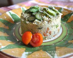 Cous cous con tonno e verdure Ottimo sia freddo che servito caldo! La ricetta la trovate su http://noodloves.it/cous-cous-con-tonno-e-verdure/