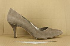 #zapato #salon #tacon #ante #estilo #handcrafted #shoes #madeinspain #zapatos #heels #suede #scarpe #schuhe #chaussures #sabates #oinetakoak #madrid #shopping #eshop BUY/COMPRAR: http://www.jorgelarranaga.com/es/home/526-1030.html