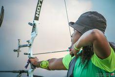 Dos Santos swaps dance for archery at the Sambodromo