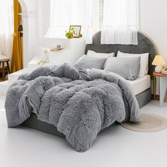 Cute Bedding For Teens, Teen Bedding Sets, Bed Comforter Sets, Velvet Bedding Sets, Bed Duvet Covers, Glam Bedding, Fur Bedding, Fluffy Bedding, Cute Room Ideas