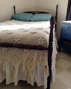 Picture of Curlicue Coverlet Crochet Pattern