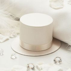 Ivory Top Hat Favour Boxes - 10 Pack