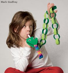 Chinese New Year Year of the SNAKE: Snake Puppet - National Wildlife Federation New Year's Crafts, Vbs Crafts, Bible Crafts, Camping Crafts, Preschool Crafts, Crafts For Kids, Reptile Crafts, Snake Crafts, Safari Jungle