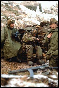 sldaos gurka en las tropas británicas de Malvinas. 1982.