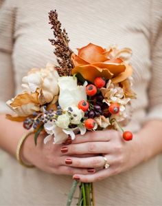 18 Fall Wedding Color Palettes - The Ultimate Guide www. october wedding colors schemes / fall wedding ideas colors october / fall wedding ideas november / fall winter wedding / fall colors for wedding Fall Wedding Bouquets, Fall Wedding Flowers, Orange Wedding, Fall Wedding Colors, Autumn Wedding, Wedding Color Schemes, Ivory Wedding, Wedding Boquette, Wedding Summer