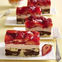 Erdbeer-Mascarpone-Schnitten vom Blech Rezept | LECKER