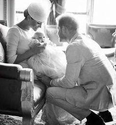 Meghan Markle and Prince Harry share never-before-seen photograph of Archie to mark the Duke of Sussex's birthday Prince Harry Et Meghan, Meghan Markle Prince Harry, Princess Meghan, Harry And Meghan, Princesa Diana, Princesa Real, Harry Birthday, 35th Birthday, Birthday Wishes