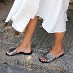 de3c69c93 31 Best Silver sandals images