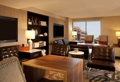 Enjoy complimentary Wi-Fi and updated amenities in Marriott Sugar Land's concierge lounge.