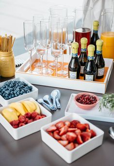 The Perfect Prosecco Pregame: How to Make Your Own Champagne Bar Brunch Mesa, Mimosa Bar, Mimosa Brunch, Brunch Bar, Brunch Buffet, Champagne Bar, Champagne Breakfast, Tapas, Birthday Brunch