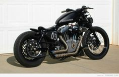 Love how minimalist this Harley racer is