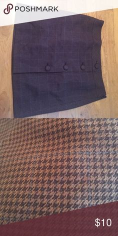Beautiful fall skirt Light brown and dark brown pattern with a touch of blue Skirts
