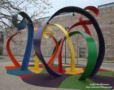 Sculpture at back entrance of Joslyn Art Museum in Omaha, Ne. http://www.kurtjohnsonphotography.com/