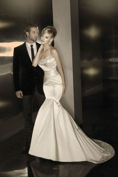 Classic Hollywood Glam Ivory White $$$ - $1501 to $3000 Beading Dropped Fit-n-Flare Floor Mermaid/Trumpet Pleats Satin Simone Carvalli Strapless Sweetheart Wedding Dresses Photos & Pictures - WeddingWire.com