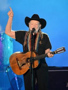 "The legendary Willie Nelson performs the autobiographical, ""Roll Me Up and Smoke Me When I Die."""