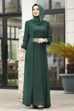 Hijab Evening Dress, Green Evening Dress, Evening Dresses, Abaya Fashion, Muslim Fashion, Fashion Dresses, Stylish Dress Designs, Stylish Dresses, Hijab Style Dress