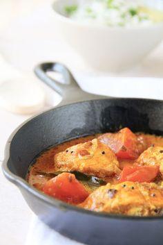 Vazhayila.com: Kerala style Coconut Fish Curry with Tomato