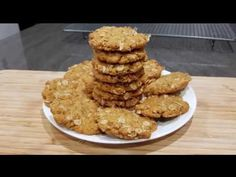Today we're making ANZAC Biscuit. It is so easy to make and it's delicious! Anzac Biscuits, Anzac Day, Golden Syrup, Rolled Oats, Unsalted Butter, Baking Soda, Homemade, Make It Yourself, Breakfast