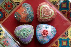 Henna cakes, designed by artist Sandy Patangay of NYC-based Henna Studio, and the cake designer, Parul Patel