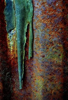Rust - a type of decay which shows a variety of colours and texture. Wabi Sabi, Rust Never Sleeps, Peeling Paint, Rusty Metal, Patina Metal, Art Abstrait, Texture Art, Ceramic Texture, Texture Painting