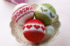 Homemaker magazine has a free Christmas knitting pattern for these beautiful Fair Isle baubles. There are three patterns to knit up and hang on your tree.