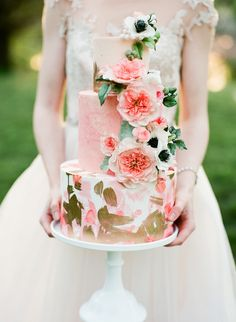 romantic wedding cake - photo by Vasia Photography http://ruffledblog.com/english-rose-flower-crown-inspiration