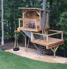 Cozy Backyard Hammock Ideas For Perfect Summer 02 - decoration Backyard Fort, Cozy Backyard, Backyard For Kids, Backyard Projects, Backyard Landscaping, Landscaping Ideas, Kids Yard, Tree House Plans, Tree House Deck