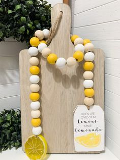 When life gives you lemons Garland – Wine Sparkle Wood Bead Garland, Diy Garland, Beaded Garland, Garland Ideas, Diy Resin Crafts, Bead Crafts, Handmade Crafts, Cute Crafts, Crafts To Do