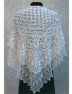 Красивая ажурная шаль спицами Красивая ажурная шаль в стиле традиционных шетландских кружев вяжется спицами по схемам.