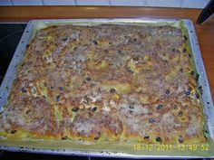 Sächsischer Stollenkuchen Saxon Stollen cake, a good recipe from the category cake. Delicious Cake Recipes, Yummy Cakes, Stollen Cake, Good Food, Yummy Food, Easy Baking Recipes, Bakery Cakes, Cupcakes, Sweet Cakes