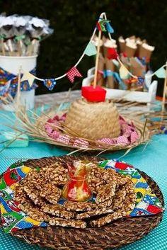 Pratos em vime para decoração de Festa Junina.   DICA DRICA TURCA DELUXE.