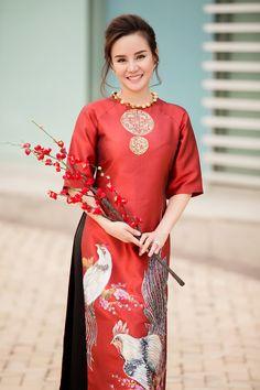 20170122-vy-oanh-mac-ao-dai-dua-con-trai-xuong-pho-ngay-can-tet-7.jpg (660×990)