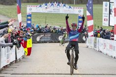 Jeremy Powers crosses the line for his 4th US cyclo-cross title