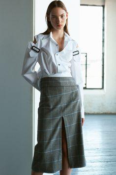 Ji Oh Spring 2019 Ready-to-Wear Fashion Show Collection: See the complete Ji Oh Spring 2019 Ready-to-Wear collection. Look 2