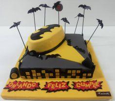 """Torta para Niños """"Batman Regresa"""" de Pastelería dCondorelli - www.dcondorelli.cl - Santiago, Chile"""