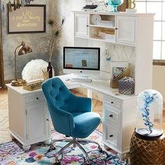 Home Office Furniture: Choosing The Right Computer Desk Home Office Space, Home Office Design, Home Office Furniture, Home Office Decor, Desk Office, White Furniture, Door Furniture, Furniture Hardware, Furniture Ideas