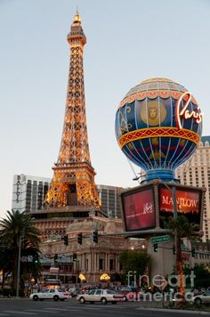 treasured travel memory: VIVA LAS VEGAS! Paris, France is so far away, but Vegas is short plane ride away! What a vacation and I won some money! #treasuredtravel