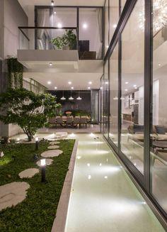 Iphone Wallpaper Texture, L Shaped House, Garden Design, House Design, Internal Courtyard, Patio Interior, Lanterns Decor, Facades, Exterior Design