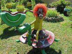 Repurpose-Old-Tire-into-Animal-Themed-Garden-Decor-18.jpg