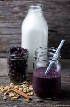Anti-Inflammatory Blueberry Smoothie is the perfect recipe for #HeartHealth month! @Amanda Snelson Maguire