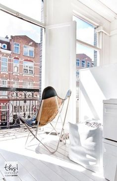 That looks like my dream livingroom / kitchen in Amsterdam city appartment.. Sigh, feel slightly homesick
