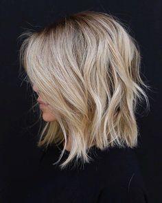 Trendy Hair Highlights : Color and cut! Trendy Hair Highlights : Color and cut! Medium Hair Styles, Curly Hair Styles, Shag Hairstyles, Hairdos, Blonde Long Bob Hairstyles, Haircuts For Thin Hair, Lob Hairstyle, Layered Hairstyles, Bridal Hairstyle