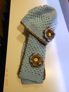 kindermuts en sjaal Crochet Winter, Friends Forever, Baby Hats, Minions, Charity, Crochet Hats, Beanie, Diy Crafts, Haken Baby