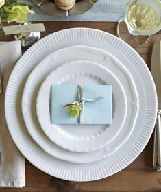 White plates with different texture