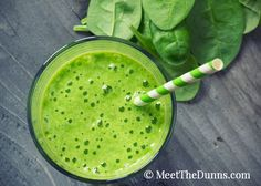 This detox smoothie is different. With good fats and great nutrients, the berry-mango smoothie blend makes you feel full – not regretful. Get the recipe now! Healthy Juice Recipes, Protein Shake Recipes, Healthy Juices, Protein Foods, Protein Shakes, Drink Recipes, Salad Recipes, Spinach Recipes, Soup Recipes