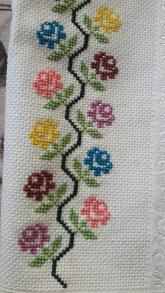 This Pin was discovered by mer Cross Stitch Boarders, Cross Stitch Bookmarks, Cross Stitch Rose, Cross Stitch Flowers, Cross Stitch Designs, Cross Stitching, Cross Stitch Embroidery, Embroidery Patterns, Hand Embroidery
