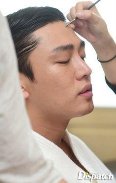 [PIC] #Dispatch B-cut on #YooAhIn Busan International Film Festival 2015 BTS  [4/7] #유아인 Asian Actors, Korean Actors, Gorgeous Men, Beautiful People, Korean Drama Stars, Lee Bo Young, Yoo Ah In, Piano Man, Actor Model